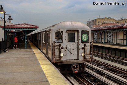 6 Train Approaching Elder Avenue