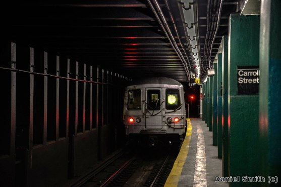 G Train Leaves Carroll Street