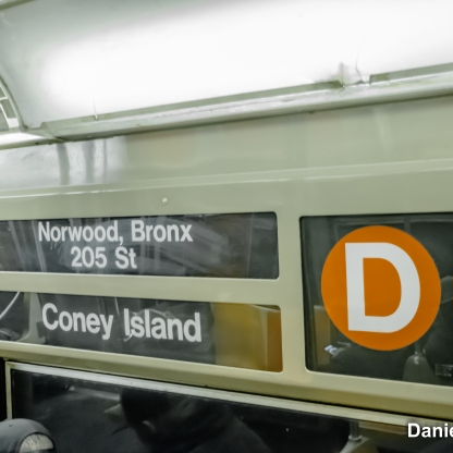 D Train Rollsign